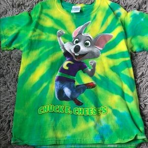 chuck e. cheese's tie dye t shirt